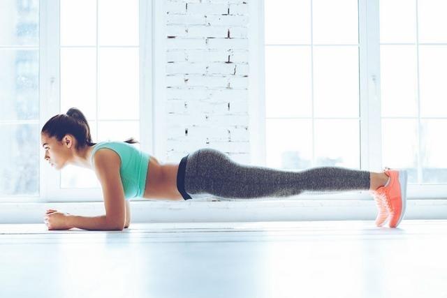 Plank - 15 phút tập giảm mỡ bụng
