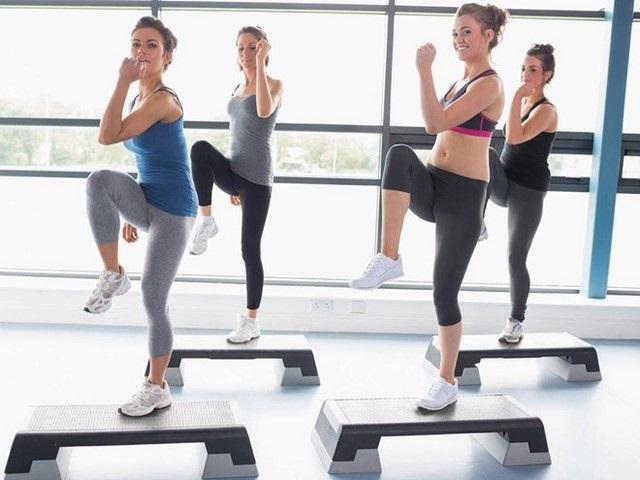Chạy bộ là bài tập aerobic giảm mỡ bụng siêu nhanh được chị em đánh giá cao