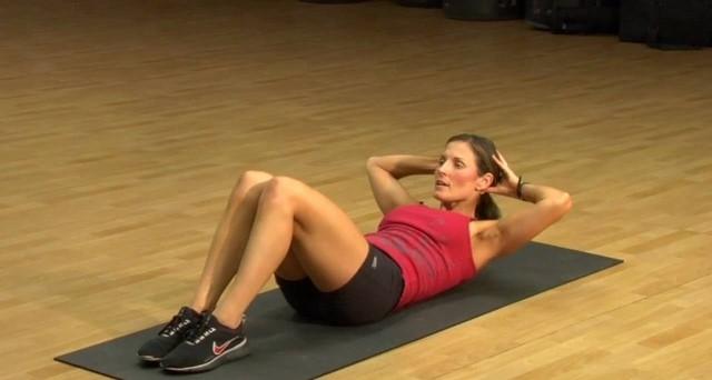 Bài tập giảm mỡ bụng nhanh nhất trong 1 tuần - Gập bụng
