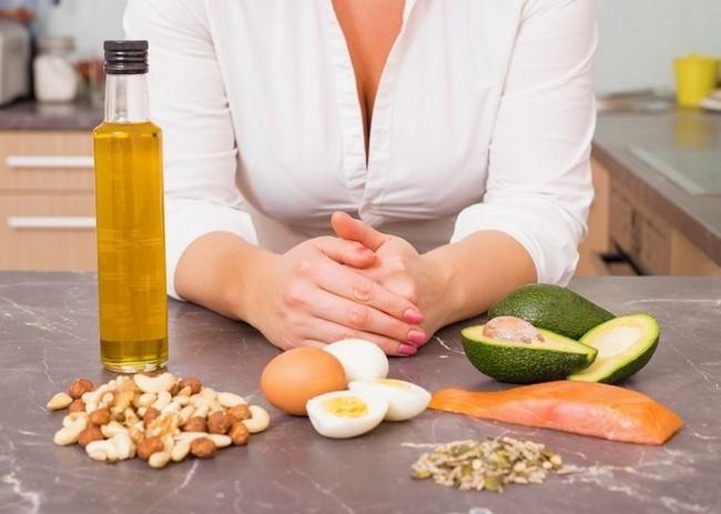 Nghiêm nghặt với chế độ ăn ít chất béo