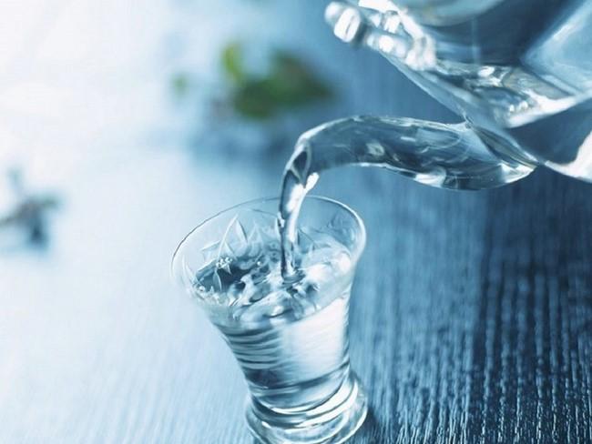 Hãy nhớ uống 2 lít nước mỗi ngày hỗ trợ giảm béo hiệu quả