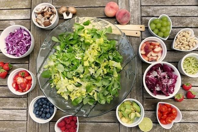 Áp dụng chế độ dinh dưỡng phù hợp là cách làm thon gọn bắp tay hiệu quả