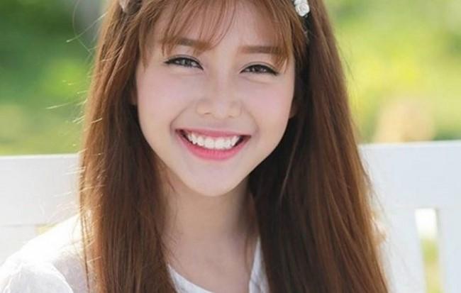 Mỉm cười giúp bạn luyện tập cho cơ mặt và giảm được mỡ ở hai bên má.