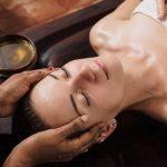3 phút massage mặt thon gọn tại nhà cho khuôn mặt V-line