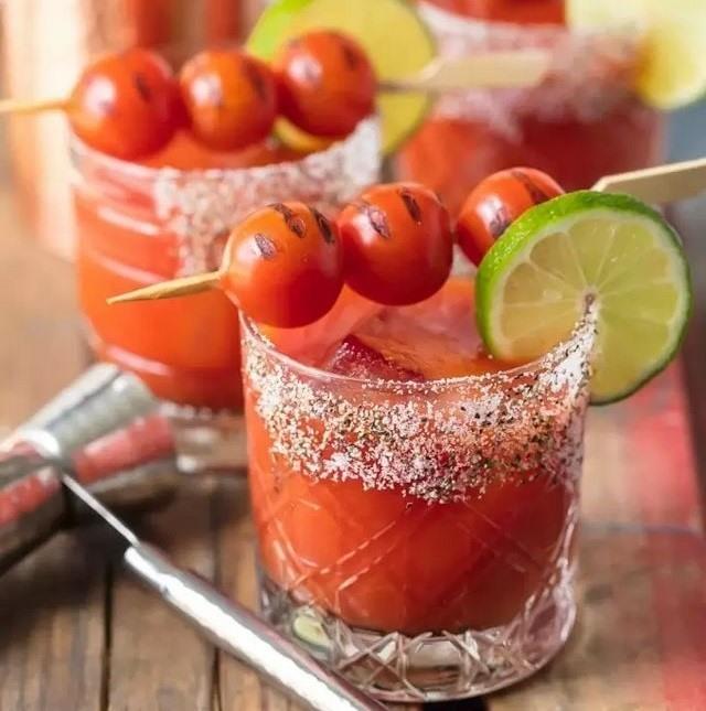 Nước cà chua chanh muối - Uống gì để giảm mỡ bụng dưới?