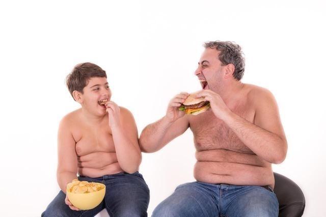 Uống gì để giảm mỡ bụng dưới - Lười vận động là nguyên nhân chính dẫn đến tích lũy mỡ thừa