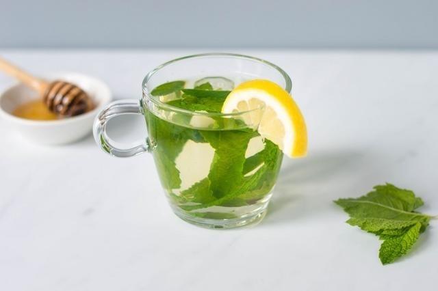 Trà xanh bạc hà - Uống gì để giảm mỡ bụng dưới?