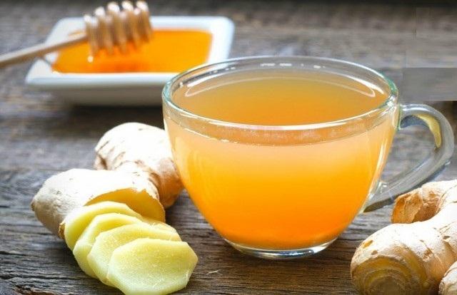 Mật ong giúp làm giảm vị cay tự nhiên khi sử dụng gừng giảm mỡ bụng