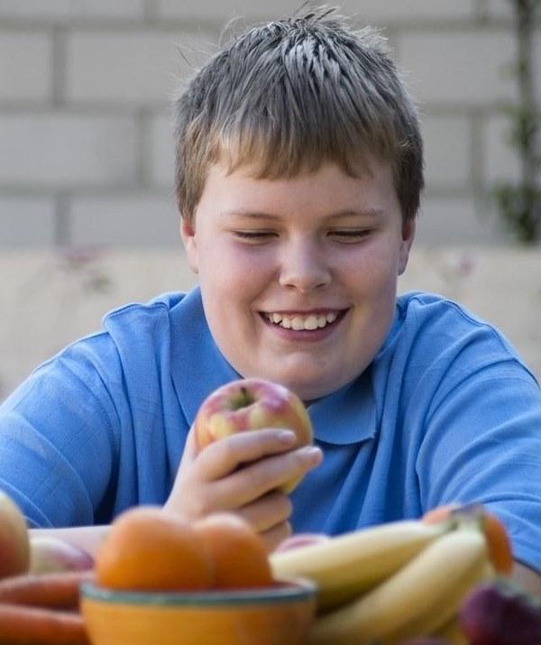 Kiểm soát khẩu phần ăn hàng ngày là 1 cách giảm mỡ bụng cho học sinh rất quan trọng