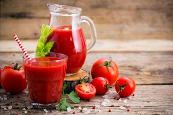 Nước ép cà chua đã được các nhà khoa học chứng minh là có tác dụng giảm mỡ bụng hiệu quả