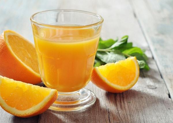 Nước ép cam không chỉ là nguồn bổ sung vitamin C mà còn tóc tác dụng giảm cân