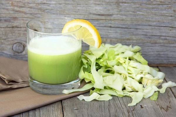 Nước ép giảm mỡ bụng từ bắp cải cũng là một sự lựa chọn không tồi