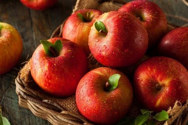 Nhớ đừng bỏ qua táo trong thực đơn các loại rau quả giúp giảm mỡ bụng nhé!