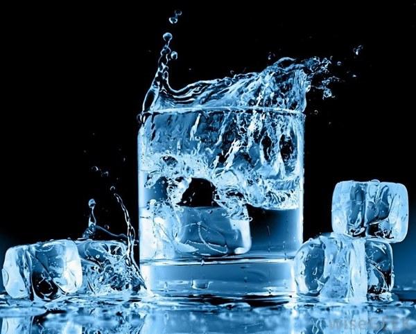 Nước đá có nhiều công dụng trong đó có giảm mỡ bụng