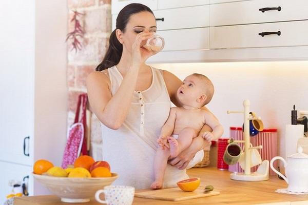 Chế độ ăn uống là một trong những cách giảm mỡ bụng sau sinh 3 tháng cần chú trọng