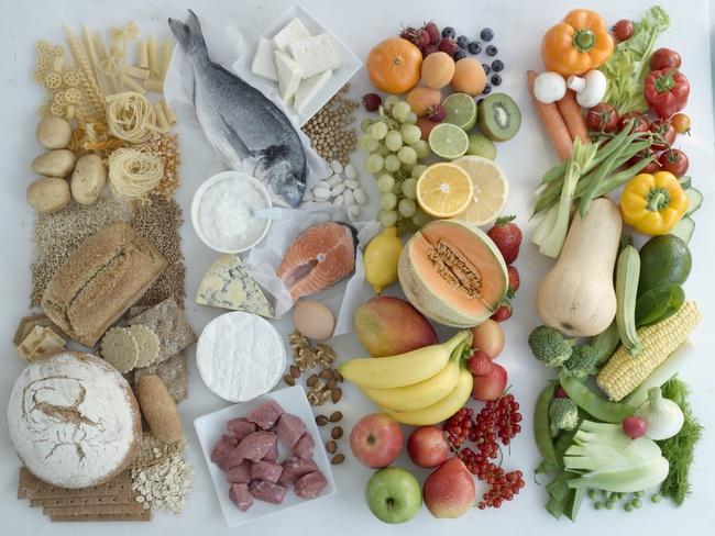 Ăn theo chế độ Paleo tập chung chủ yếu vào trái cây tươi, rau củ và hải sản