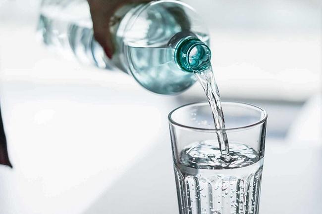 Bổ sung đủ nước cho cơ thể, tránh gây mệt mỏi
