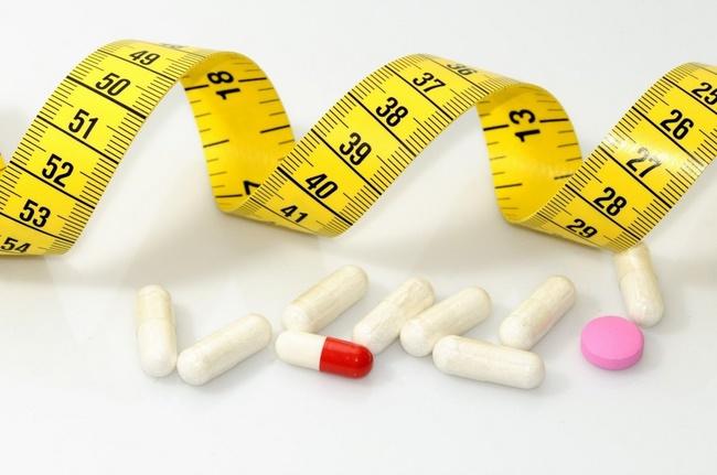 Cách giảm cân tại nhà cho nữ nhờ uống thuốc giảm cân