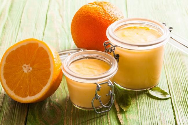Cam và sữa tươi đều chứa hàm lượng vitamin cao và giúp dưỡng trắng da hiệu quả