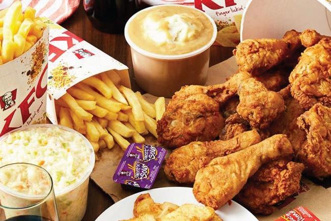 Máu mỡ cao hình thành do cơ thể nạp quá nhiều thực phẩm chứa chất béo