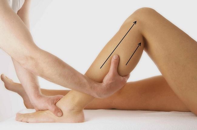 Massage bắp chân sẽ giải quyết giúp bạn băn khoăn Bắp chân to làm sao để thon gọn