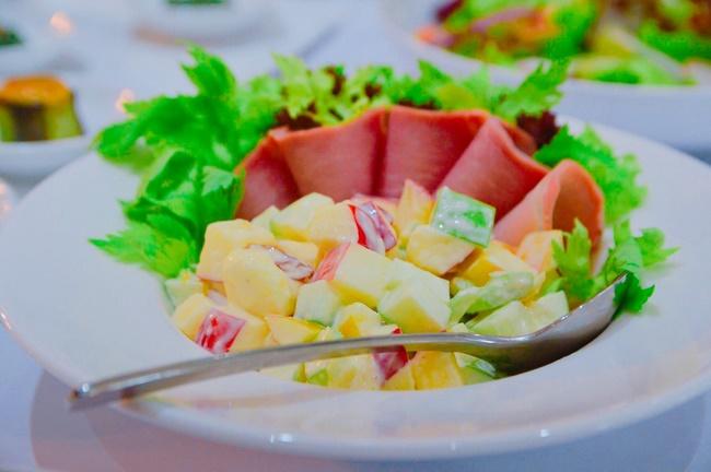 Salad táo xanh với ngô giảm cân