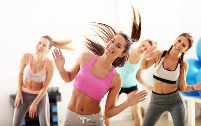 Tập Zumba giảm cân một cách tự tin và thoải mái, thể hiện bản thân