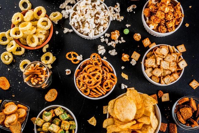 Tránh cả đồ ăn vặt là cách giảm cân cấp tốc cho học sinh