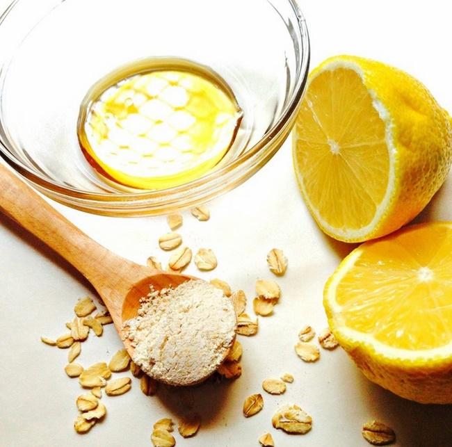 Trị mụn đầu đen hiệu quả bằng chanh mật ong và yến mạch