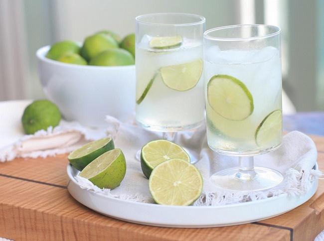 Uống nước chanh giảm mỡ bụng