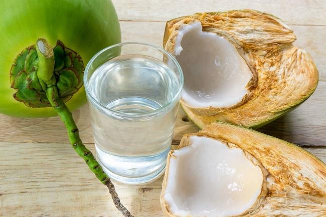 Uống nước dừa giảm mỡ bụng thần tốc