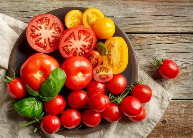 Ăn cà chua sống để giảm cân