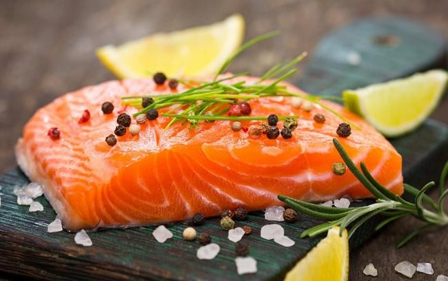 Ăn cá hồi tăng cường trao đổi chất và đào thải mỡ