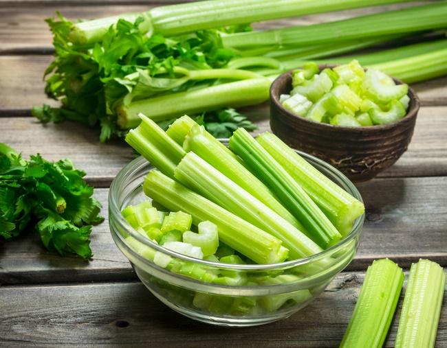 Ăn rau cần tây để giảm cân cấp tốc