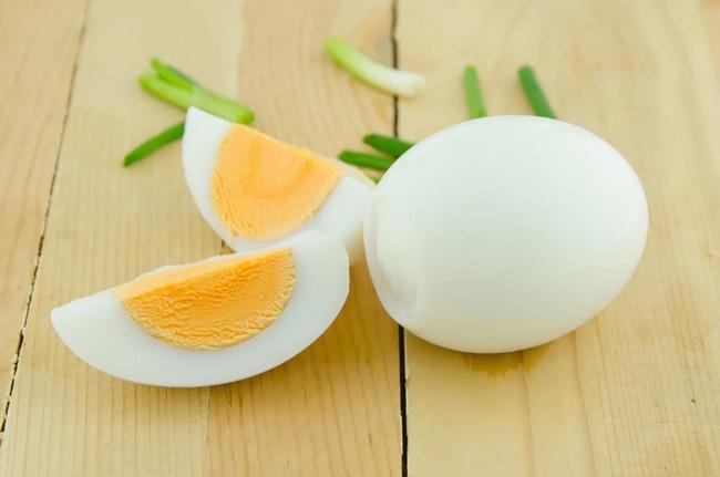 Ăn trứng gà giảm cân nhanh tại nhà cho nữ