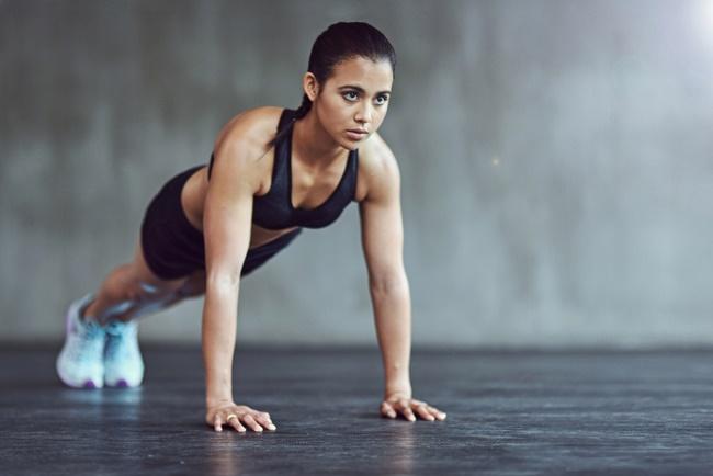 Bài tập Plank giảm cân hiệu quả nhờ khả năng tác động trực tiếp vào cơ bụng