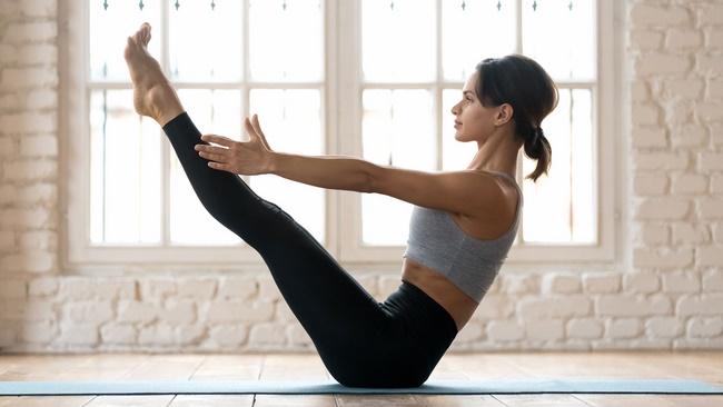 Bài tập Pilates sit up giảm mỡ bụng cho nữ cực tốt