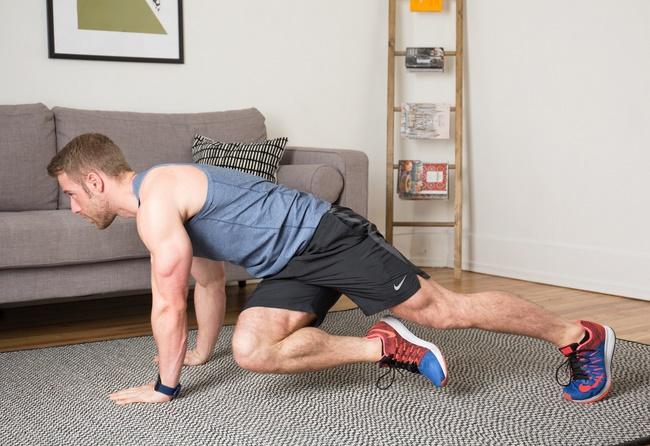 Bài tập Plank khuỷu tay kết hợp co gối