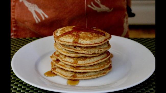 Bánh pancake chuối hạt chia giảm cân