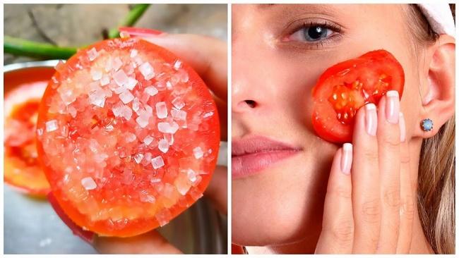 Cà chua kết hợp với muối giúp loại bỏ da chết, phần da bị cháy nắng