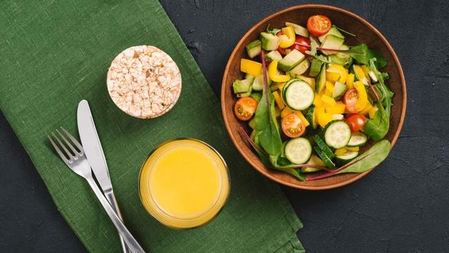 Chế biến món salad cà chua giảm cân