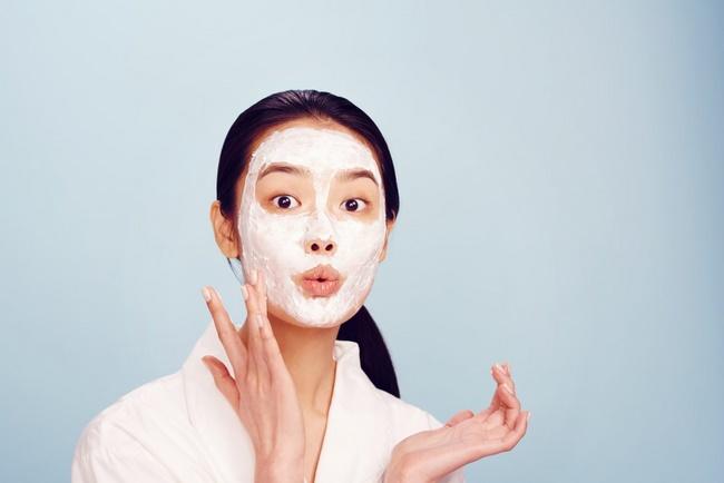 Chỉ nên đắp mặt nạ khoảng 15 - 20 phút và rửa ngay nếu kết hợp với nguyên liệu khác