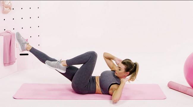 Đạp xe bài tập gym giảm mỡ bụng cho nữ