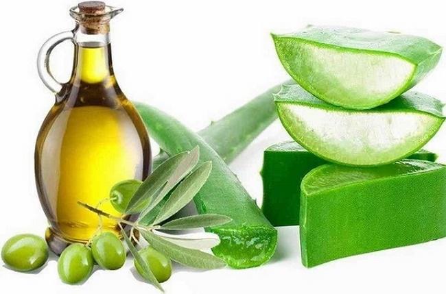 Điều trị mụn thịt bằng nha đam, nghệ và dầu oliu