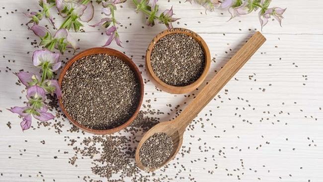Hạt chia có rất nhiều công dụng tốt cho sức khỏe nhờ vào thành phần chính trong loại hạt này