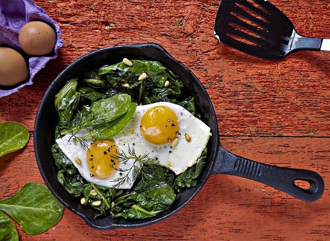 Giảm cân bằng trứng gà với rau xanh giúp ăn kiêng lành mạnh