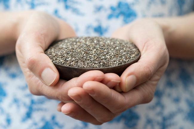 Không nên dùng quá nhiều hạt chia sẽ ảnh hưởng tới sức khỏe bạn