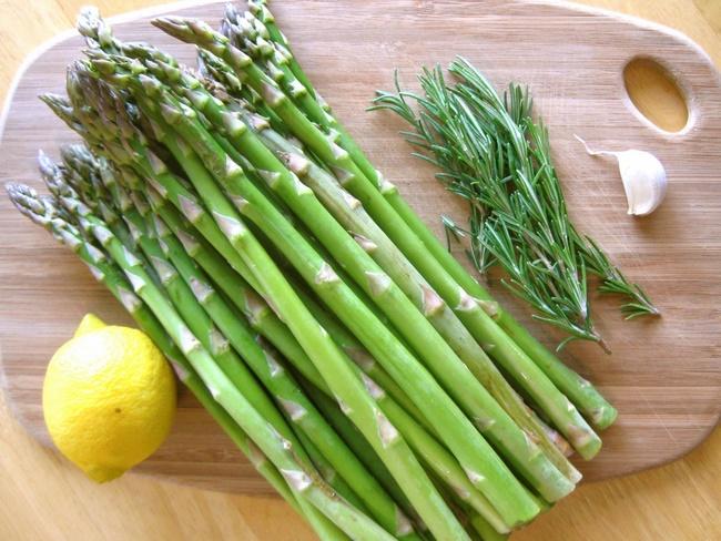 Măng tây chứa hàm lượng dinh dưỡng cao, vẫn hỗ trợ giảm cân hiệu quả