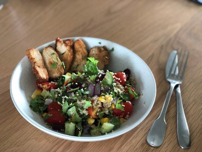 Món salad Quinoa hạt chia