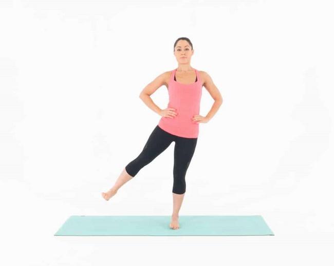 Nhảy chân sang 2 bên tác động trực tiếp vào cơ thể
